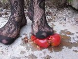 Amateurvideo Tomato pressure high heels (4) from Arabika