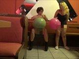 Amateurvideo 2 Riesenluftballons 1/2 from ActionGirl