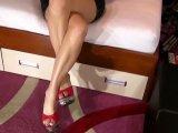 Amateurvideo High Heels baumeln lassen und Beine kreuzen from sexyalina