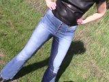 Amateurvideo Pinkeln in einer neuen engen Jeans von bondageangel
