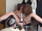 Amateurvideo Perverser Arztbesuch! Gefistet auf dem Gynstuhl von susi191