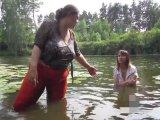 Amateurvideo bathing in mud boots (5) von Arabika