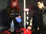 Amateurvideo Teil 1:Sklavin stellt sich bei den Herrinnen vor!!! von TSBizarrladyClo