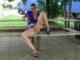 Amateurvideo Fotzenflashing am Trucker Parkplatz von sexyengel
