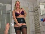 Amateurvideo Dusche aus der Sperma-Pissfotze!!! von KissiKissi
