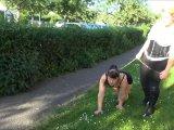 Amateurvideo Sklavin an der Leine ausgeführt von ActionGirl