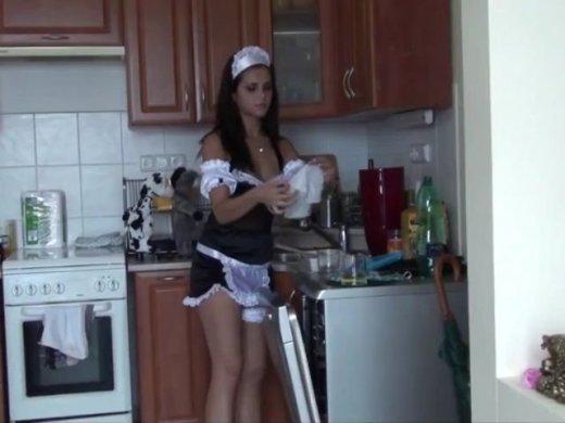 Amateurvideo Putzfrau ohne Gummi gefickt und Votze mit Sperma gefüllt. von Nichtmehr17