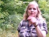 Amateurvideo Mitten im Wald - Blowjob von VersauteMutti