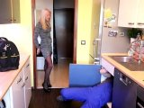 Amateurvideo Handwerker verlegt XXL Rohr in ALLE Löcher! from Daynia