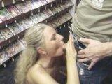 Amateurvideo Die 3 Loch Stopfung Public /Videothek! von RosellaExtrem