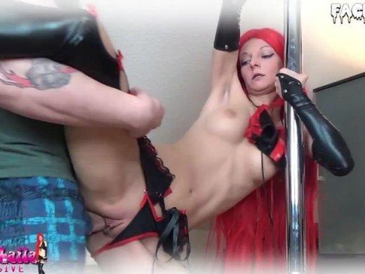 Perverse Fickshow mit Redhead in Wetlook