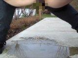 Amateurvideo Rotzfrech in fremden Garten gepisst! von MelissaDeluxe