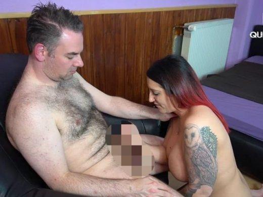 Amateurvideo XXL Sperma Bombe Extrem! Riesenschwanz-Quicky zur Mittagspau from QueenParis