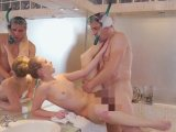 Amateurvideo Perverser Badewannenspanner sprengt mir die Fotze! von xTEENYMAUSx