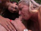 Amateurvideo Mara und Rosella,blasen nächsten Badegast,Public am See,ab! von RosellaExtrem