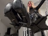 Amateurvideo Stiefelabrichtung mit Wichsanleitung POV from Calea_Toxic