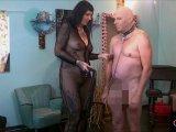 Amateurvideo Lerne deiner Herrin zu gehorchen! Teil 1 from LadyVampira