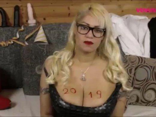 Amateurvideo Cum Eating Dirtytalk 2019 von VenusCindy