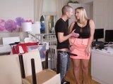 Amateurvideo Perverser Möbelpacker rotzt mir die Titten voll! from Busty_Bombastic