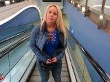 Amateurvideo Mitten auf dem Konzert gefickt von Annabel_Massina