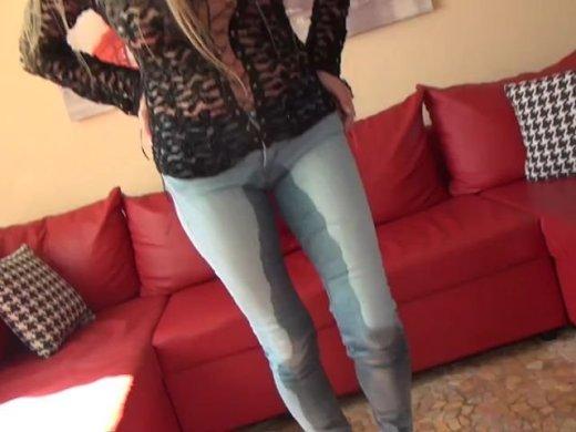 Blue Jeans Piss